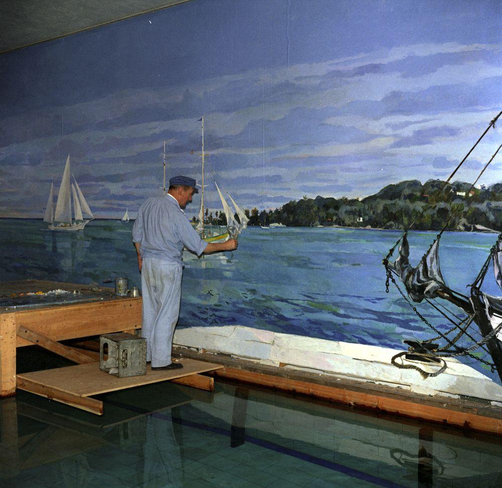 KN-C22100  Bernard Lamotte Paints White House Swimming Pool MuralWhite House Swimming Pool