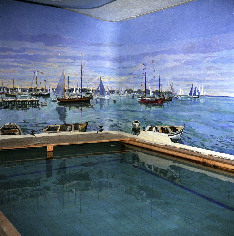 Harbor House Pool: KN-C22103. White House Swimming Pool Mural