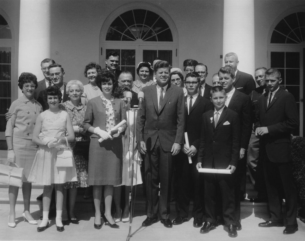 john f kennedy essay contest writing f kennedy profile in courage essay contest