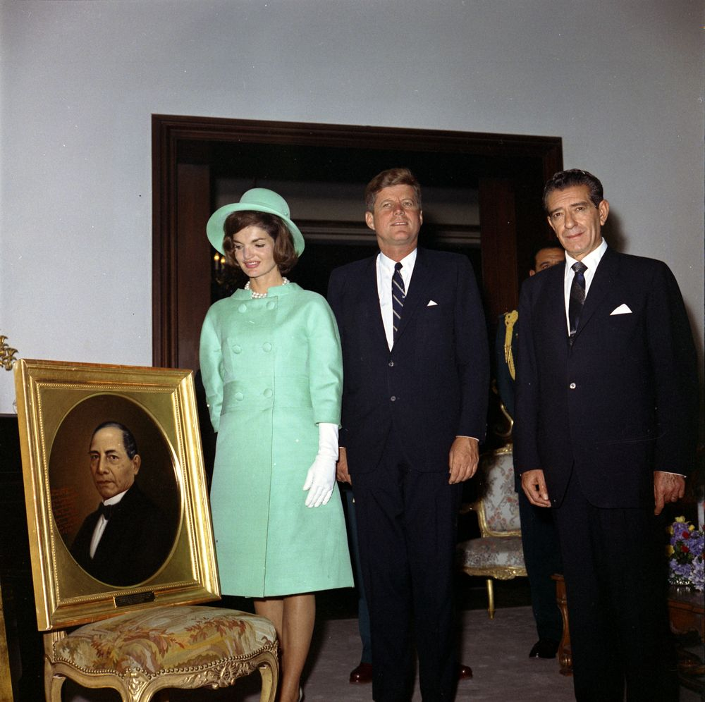KN-C22590. President John F. Kennedy and First Lady Jacqueline Kennedy ...