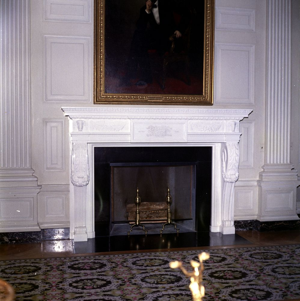 Kn c22506 painting and fireplace in state dining room of white painting and fireplace in state dining room of white house dzzzfo
