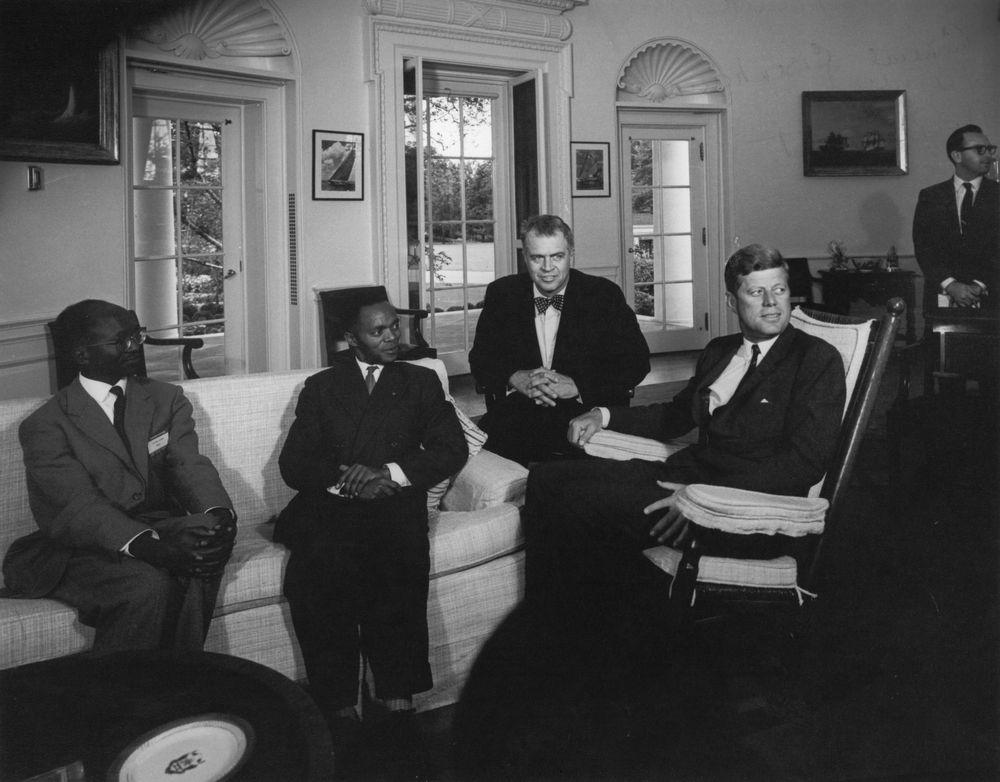 AR7468-D. President John F. Kennedy with President Grégoire Kayibanda of Rwanda