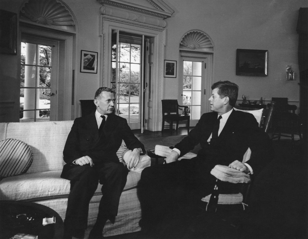 foreign policy of john f kennedy Parmet admires kennedy as a moderate conservative and a rational idealist, but the book is far from flattering this is a companion to parmet's earlier book about kennedy's youth, jack: the struggles of john f kennedy.