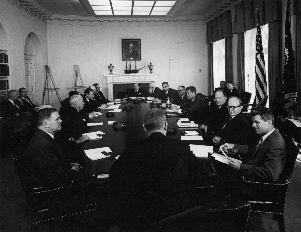 AR7550-C. President John F. Kennedy Holds Cabinet Meeting - John F ...