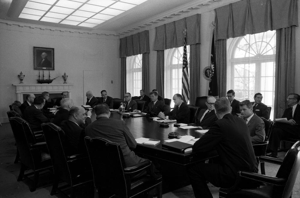 KN-24643. President John F. Kennedy Holds Cabinet Meeting - John F ...