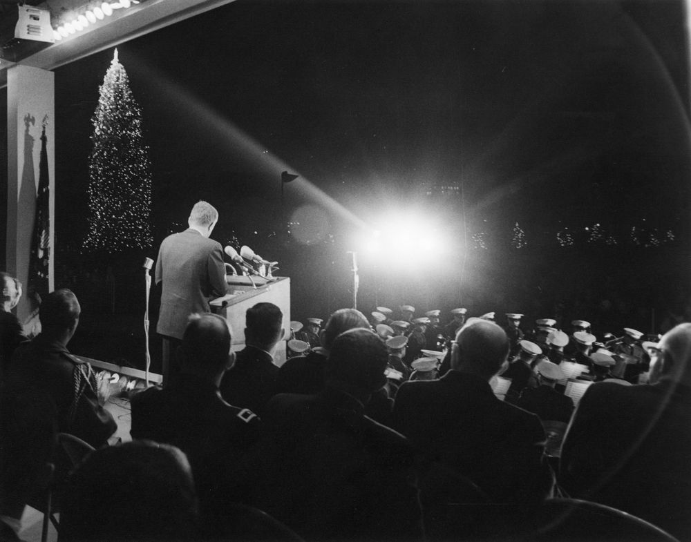 AR7621-1U. President John F. Kennedy Speaks At Lighting Of