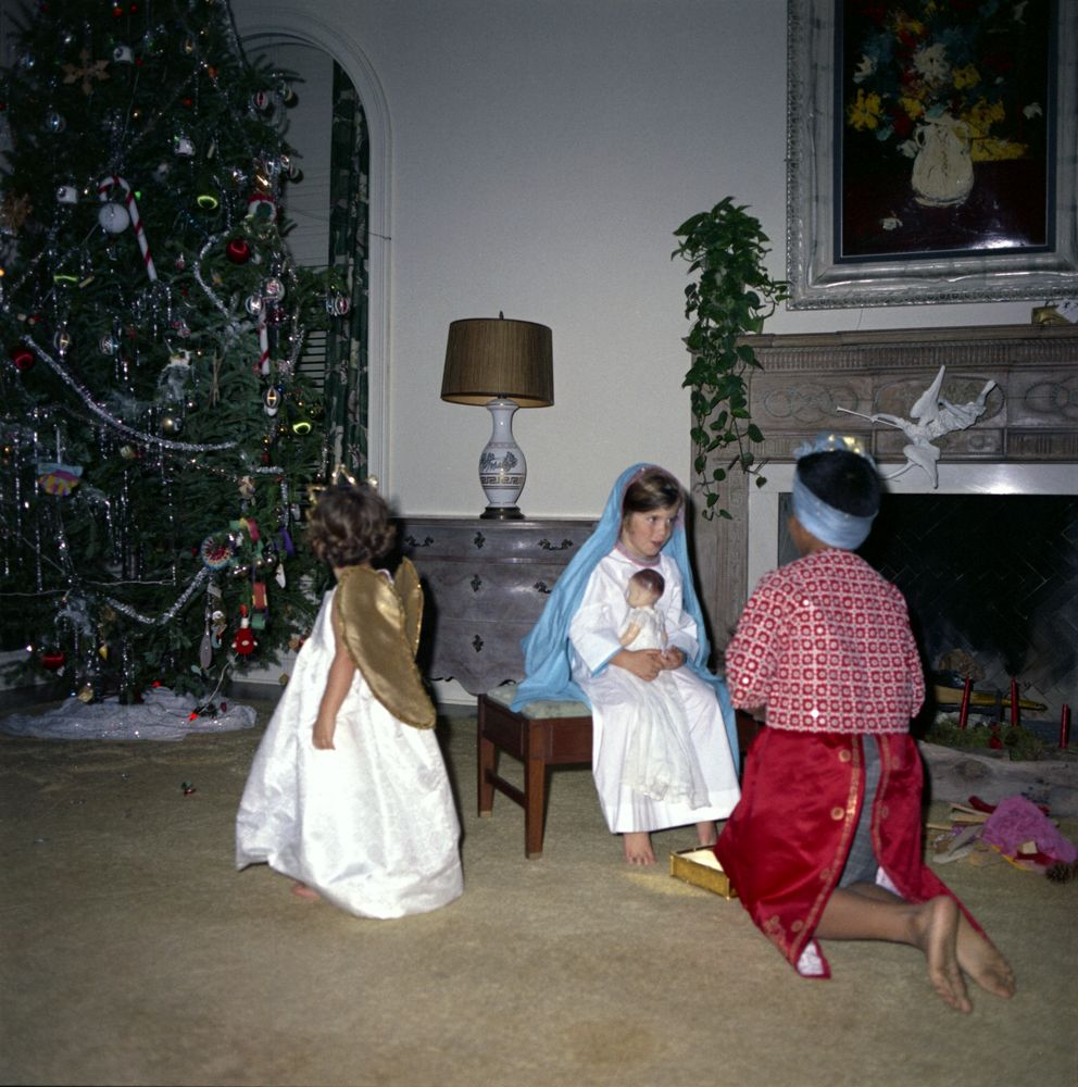 ST-C72-19-62. Kennedy Children Put on Christmas Play - John F. Kennedy ...