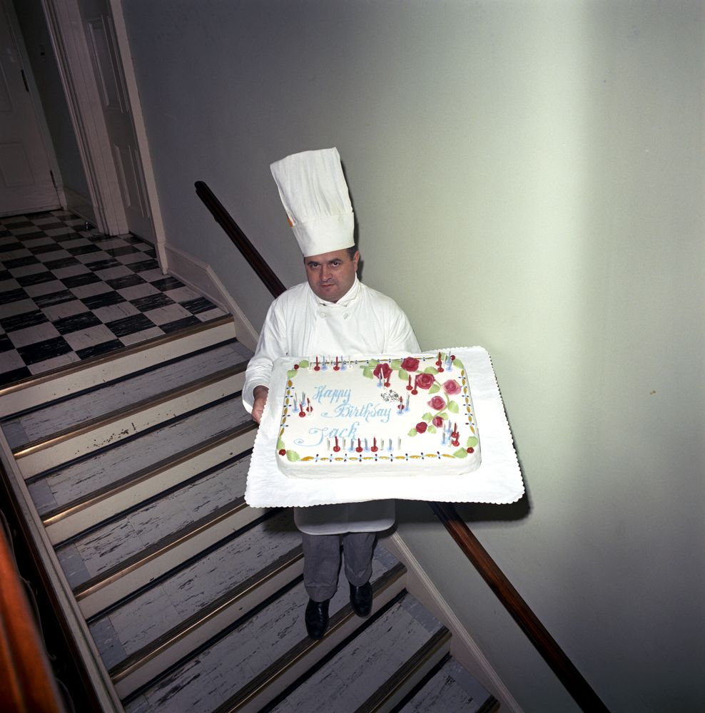 how to become white house chef