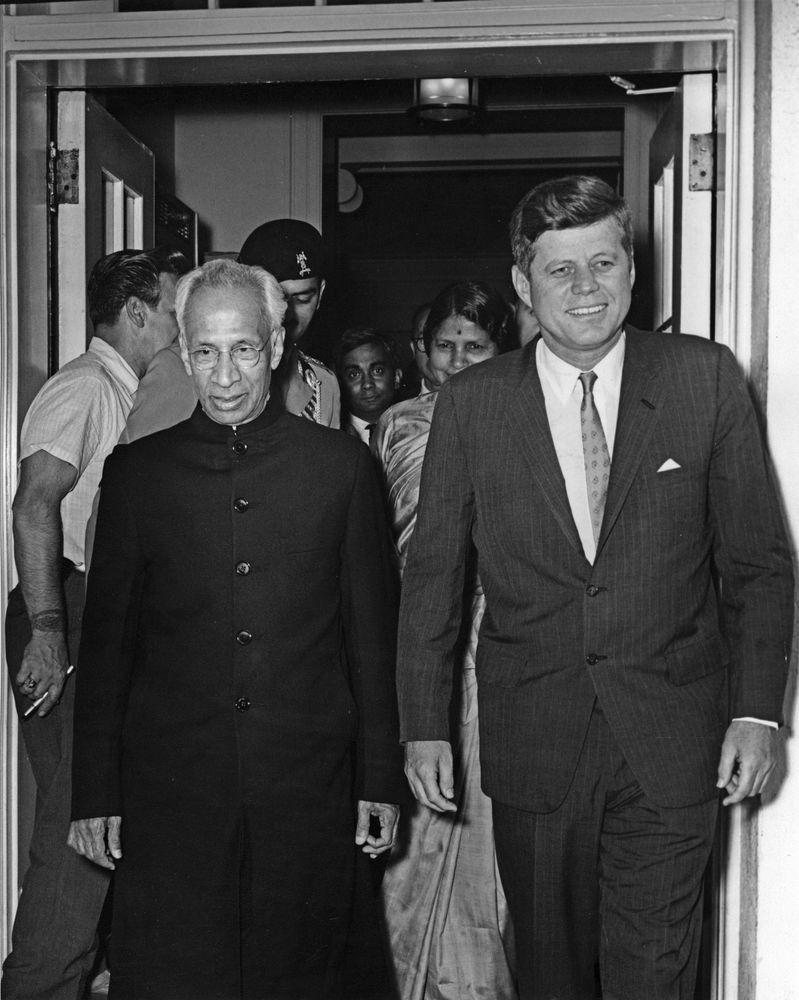 Departure Of Dr Sarvepalli Radhakrishnan President India 4 Blazer Korea Kode Bk 01 440pm