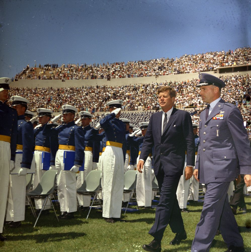 kn c29055 president john f kennedy attends u s air force president john f kennedy attends u s air force academy commencement ceremony