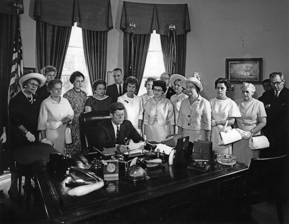 """equal pay act 1963 essay Organization and employee rights a equal pay act of 1963 """"to prohibit equal employment opportunity act of 1972 haven't found the essay you."""