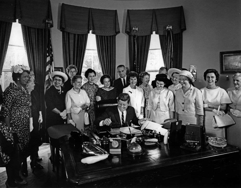 the equal pay act of 1963 essay