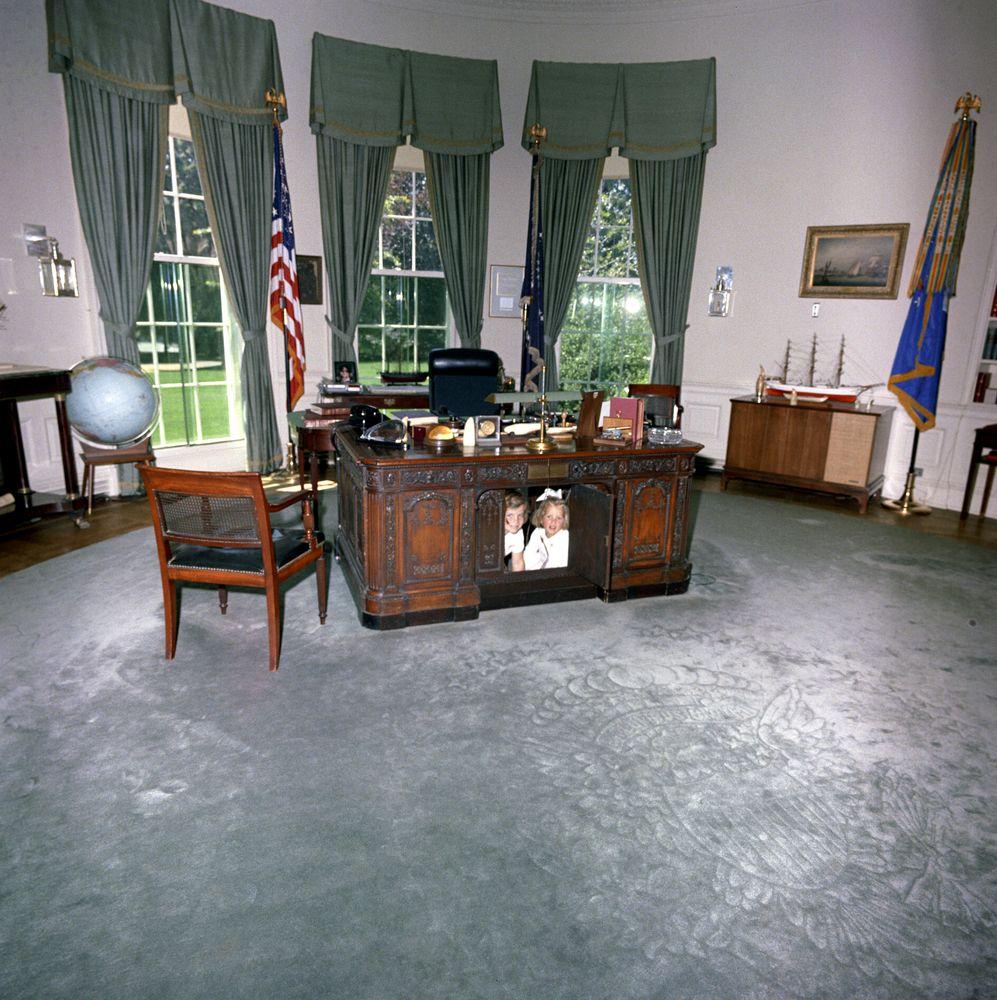 Jfk oval office Painting Caroline Kennedy cbk Kerry Kennedy In The Oval Office Jfk Library Caroline Kennedy cbk Kerry Kennedy In The Oval Office Jfk Library