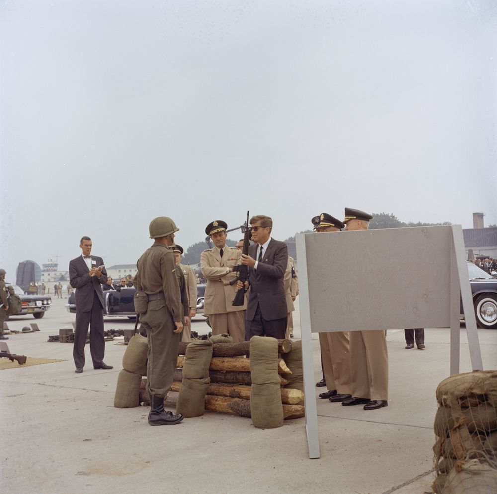 kn c29259 president john f kennedy inspects military. Black Bedroom Furniture Sets. Home Design Ideas