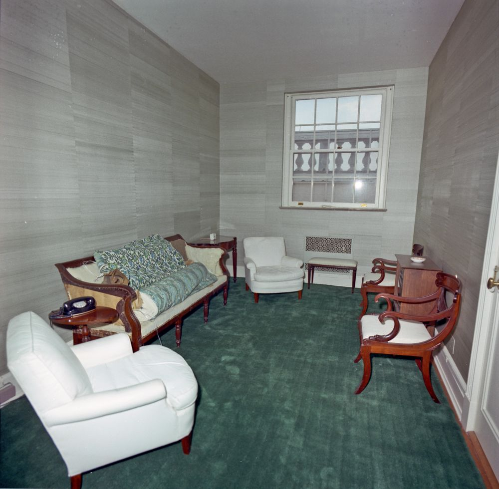 Kn c29723 pineapple sitting room white house john f kennedy presidential library museum - White sitting rooms ...