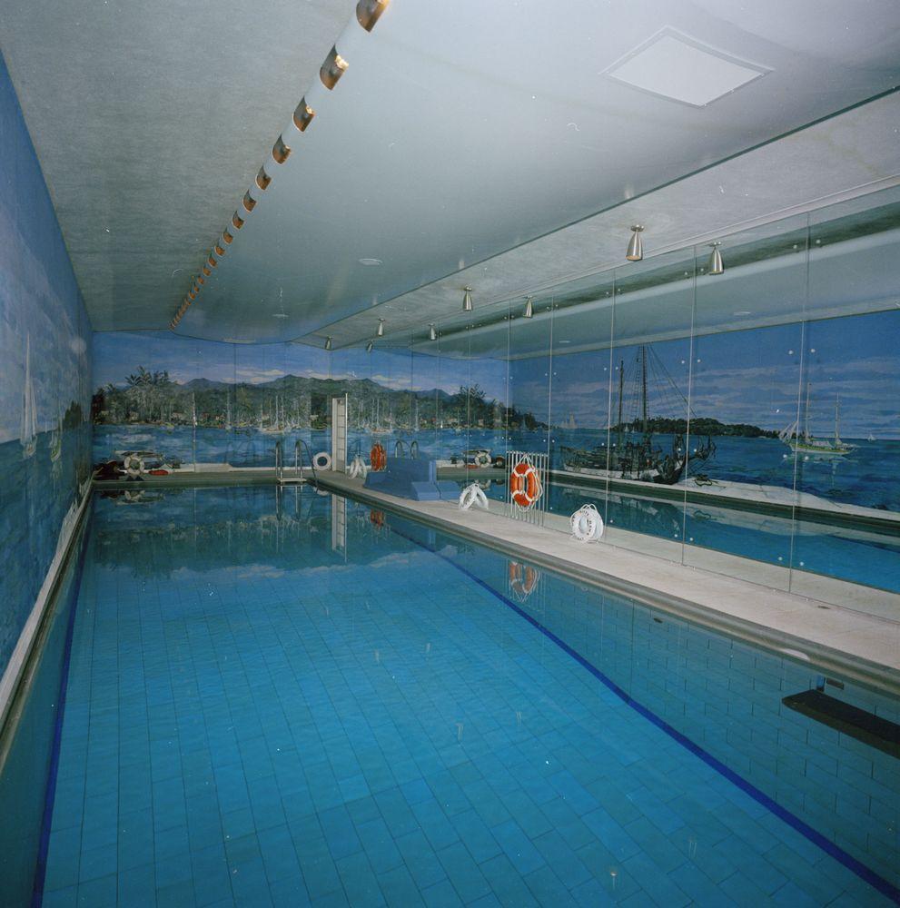 Harbor House Pool: KN-C29757. White House Swimming Pool