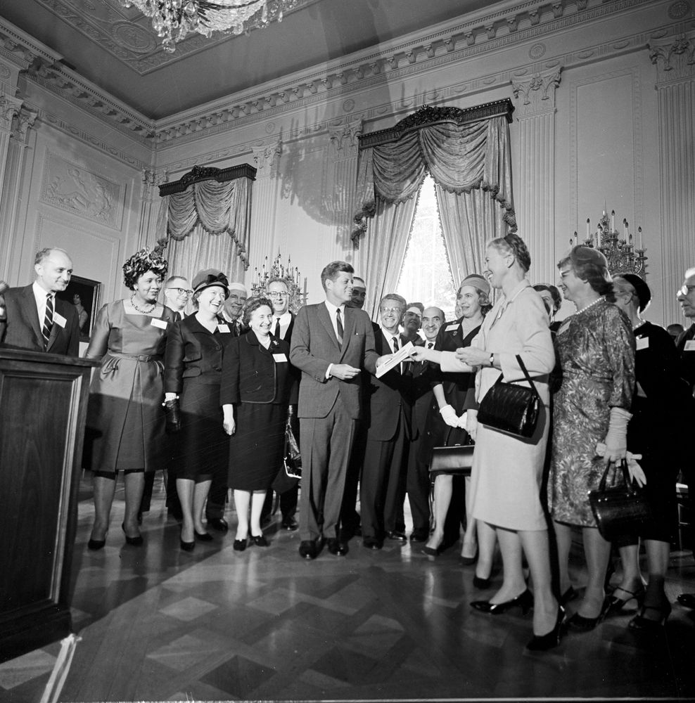 kennedy women While john f kennedy's womanizing is well-documented, the women who worked for him — and the president's policies on women - are not as well-known.