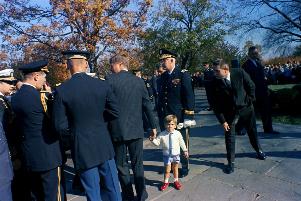 veterans day ceremonies at arlington national cemetery  11