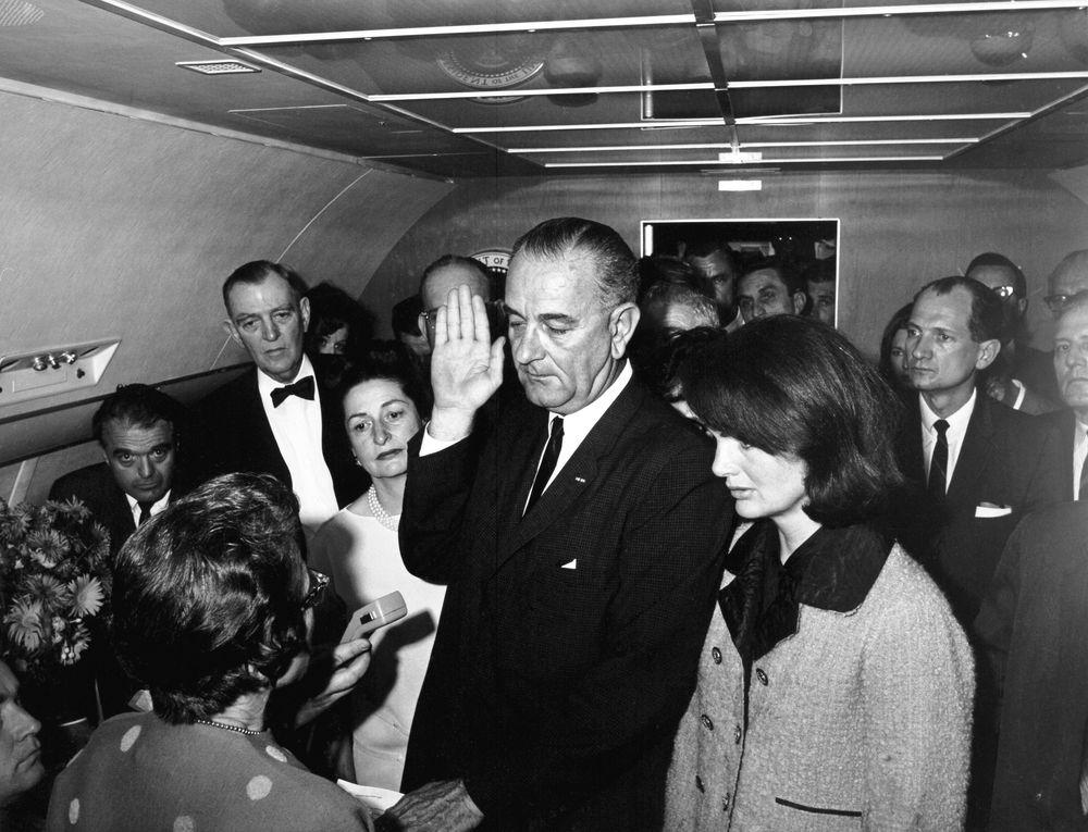 St 1a 6 63 president lyndon b johnson sworn in aboard air force one