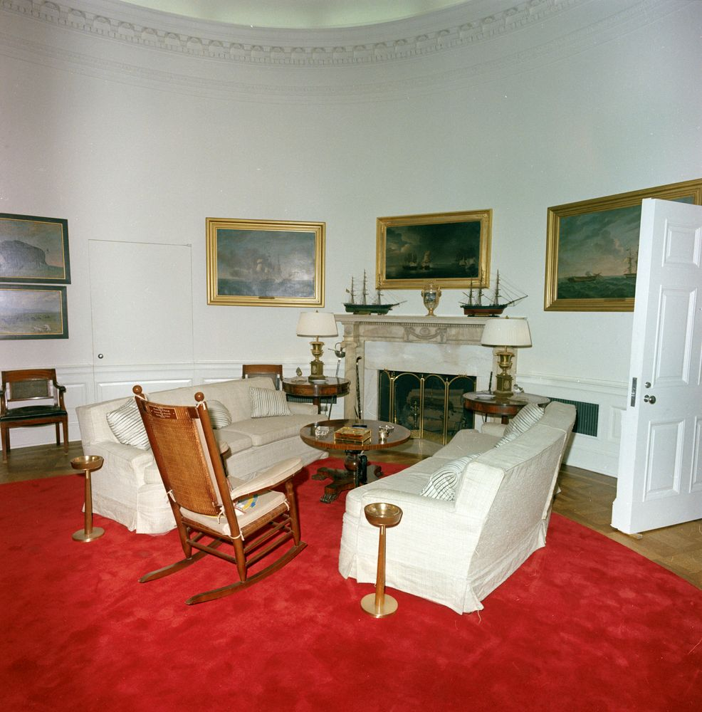 St c416 2 63 redecorated oval office with president john f kennedy 39 s effects john f kennedy - Jfk desk oval office ...