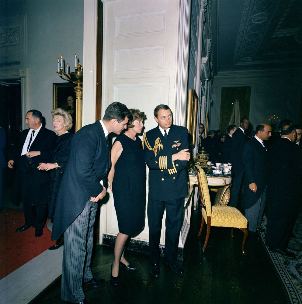 KN-C30677. Senator Edward M. Kennedy Attends Reception ...