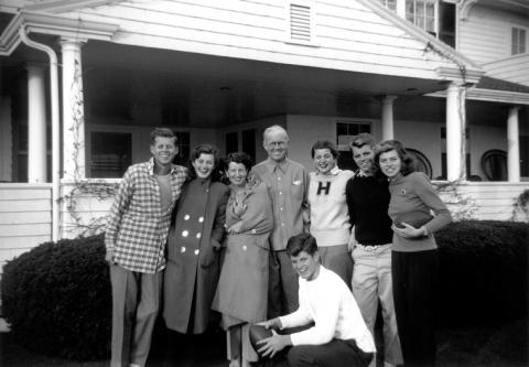 PC180 The Kennedy Family, Hyannis Port, 1948